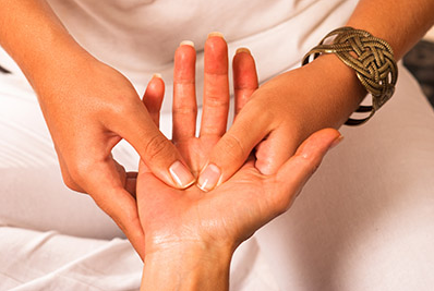 Top 6 Ways To Reduce Throbbing Hand Pain