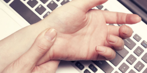 What are the Warning Signs of Carpal Tunnel Syndrome