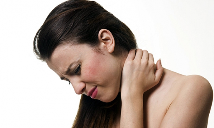 why neck pain occurs